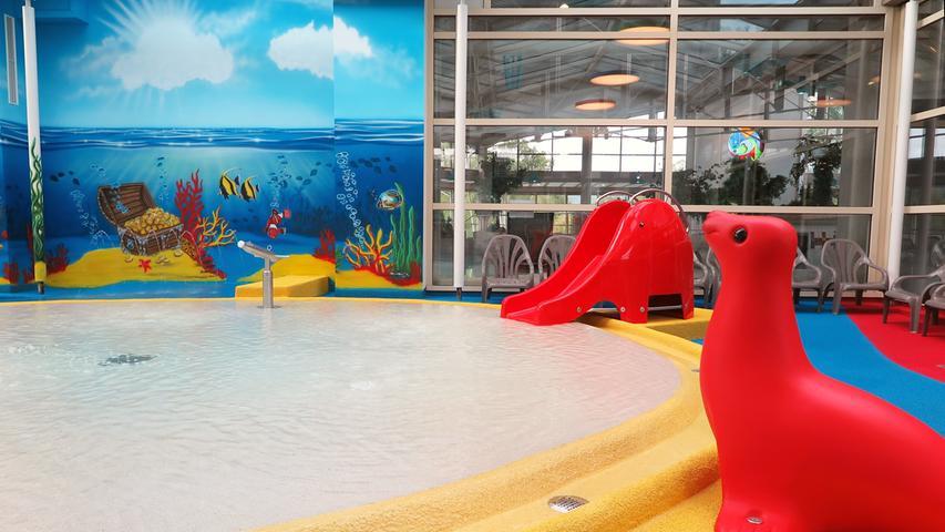 Das Wasser im Kinderbereich hat eine Temperatur von 32 Grad.