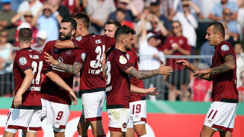 Das war ein hartes Stück Arbeit für den 1. FC Nürnberg. Am Ende setzt sich der Bundesligist knapp mit 1:2 gegen den SV Linx durch und zieht in die zweite Runde des DFB-Pokals ein.