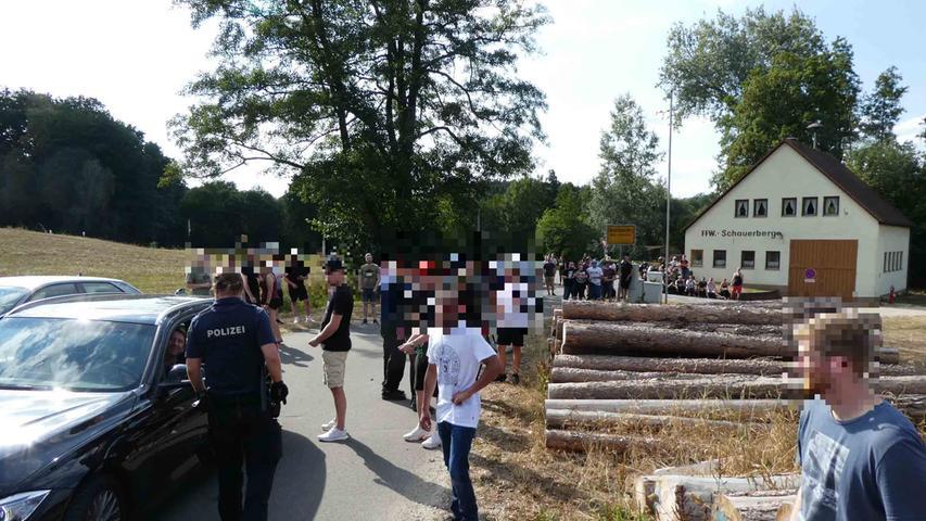 Schon ab Montagmorgen fanden sich Demonstranten in Altschauerberg ein.