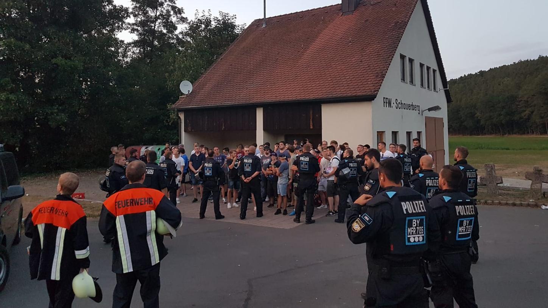 Ein Teil der Demonstranten wurde vom Unterstützungskommando der Polizei eingekesselt.