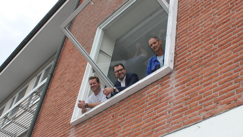 Auch sie müssen Abschied von einem Teil der örtlichen Mittelschule nehmen: Guido Mackowiak vom Bauamt in Veitsbronn, Bürgermeister Marco Kistner und Hausmeister Hans-Jürgen Just (von links).
