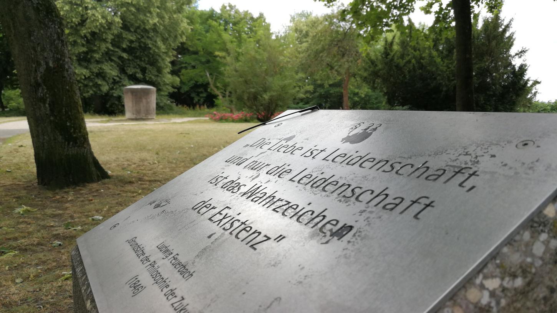 Eine Tafel zum Gedenken an Ludwig Feuerbach