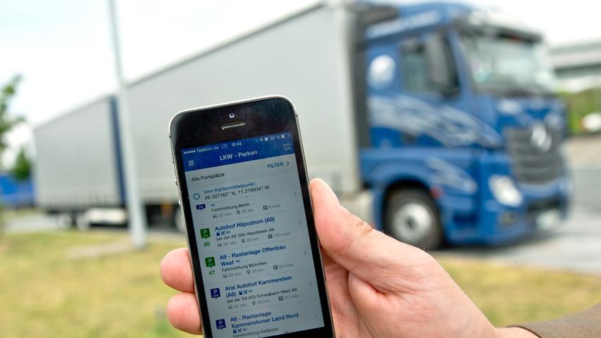 ...mit einer App sollen Lkw-Fahrer in Zukunft leichter freie Parkplätze entlang der A 9 finden.