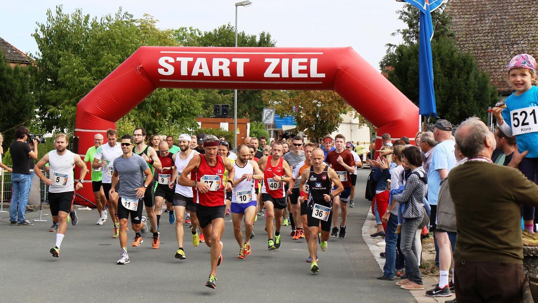 Wegen der zeitlichen Überschneidung mit dem Fränkische-Schweiz-Marathon gingen in diesem Jahr weniger Teilnehmer an den Start des Kerwa-Laufs in Gremsdorf.