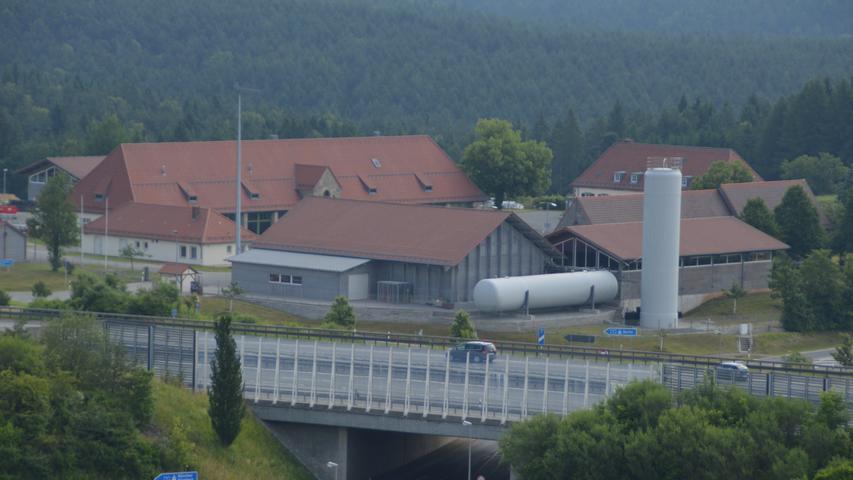 Eine wichtige Rolle für die Verkehrssicherheit auf der A9 spielen die Autobahnmeistereien, wie die in Trockau (Bild).
