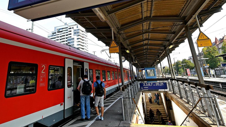 Wann kommt das dritte Gleis auf der Würzburger Strecke zwischen Fürth und Siegelsdorf? Die Bahn bleibt eine Antwort bislang schuldig.