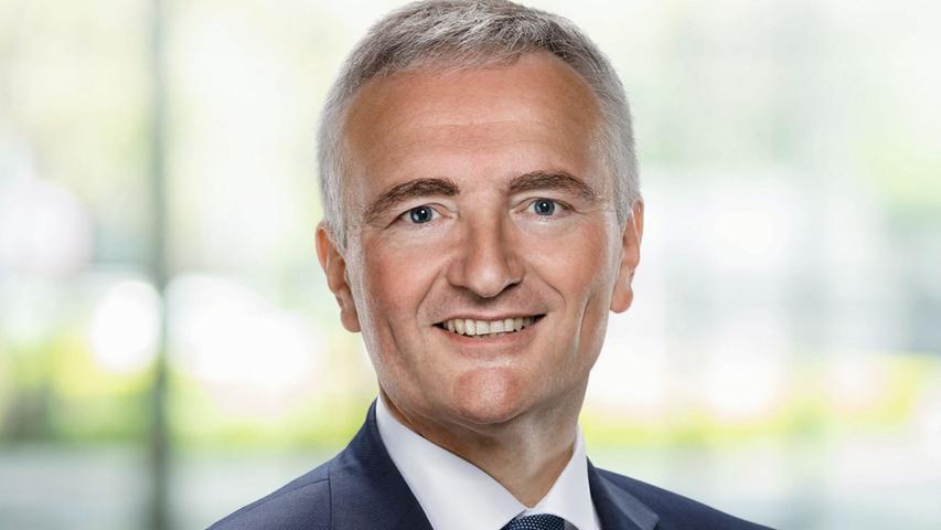 Im Stimmkreis Amberg heißt der Sieger Harald Schwartz. 36,20% der Wähler und Wählerinnen entschieden sich für den Rechtsanwalt, der somit abermals in den Bayerischen Landtag einziehen darf.