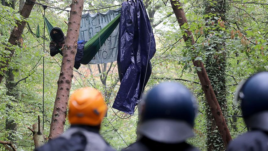 Aktivisten im Hambacher Forst: Fotos von der Räumung
