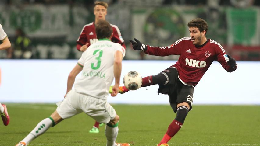 Ganz ohne Elfmetertor gelingen Werder zwei Treffer, vor der Pause ist Franco di Santo erfolgreich, nach Wiederanpfiff Philipp Bargfrede. Der Club unterliegt den Bremern mit 0:2 und muss am Ende der Saison den bitteren Gang in die 2. Liga antreten.