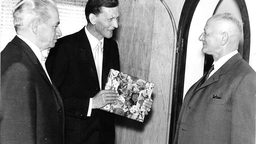 Vom Landwirt zum internationalen Teehersteller: Der Weg von Martin Bauer ist einer der Erfolgsgeschichten des Landkreises Erlangen-Höchstadt. 1930 gründet Bauer in Vestenbergsgreuth sein