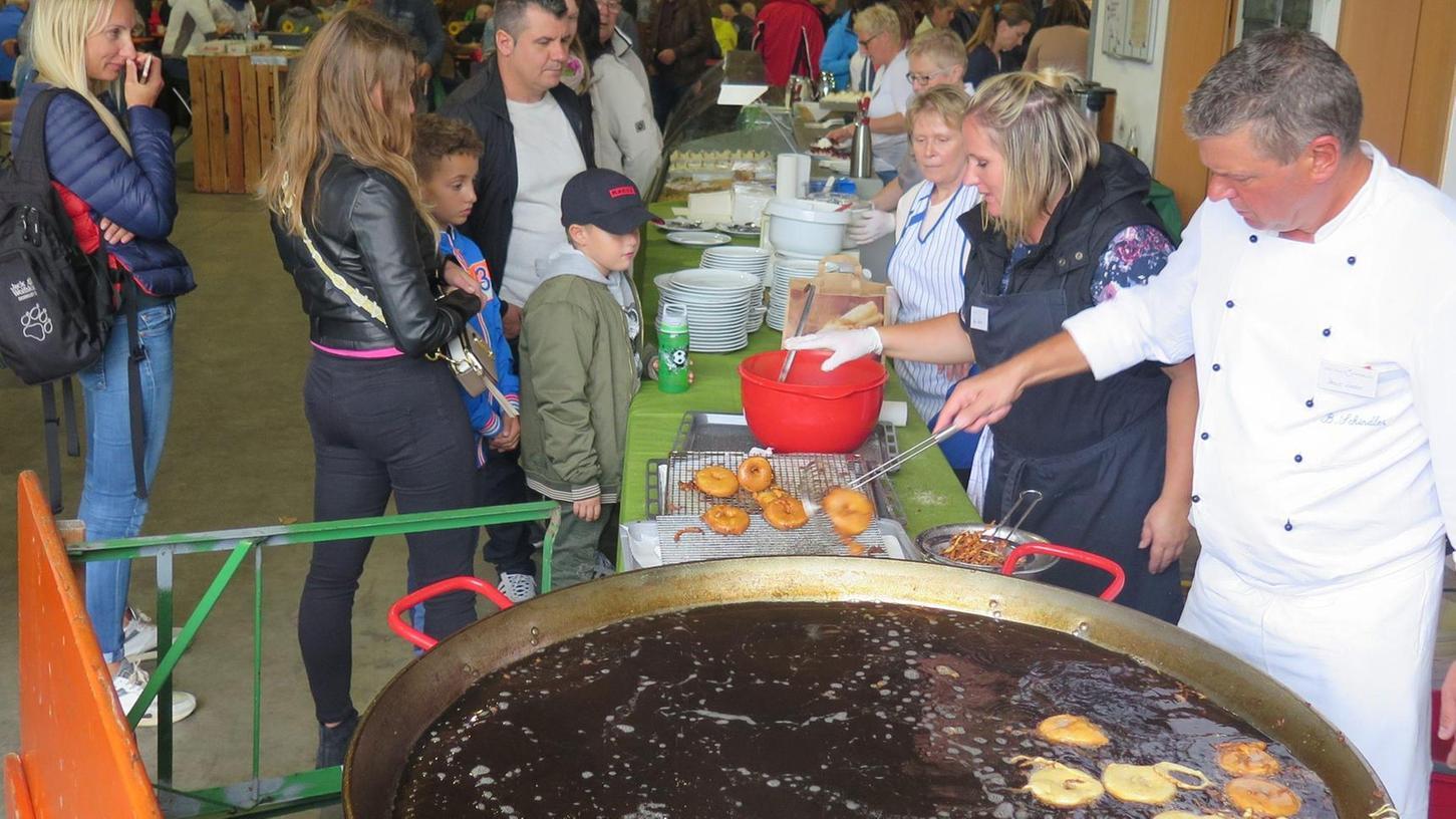 Vor den Augen der Besucher wurden kulinarische Genüsse zubereitet.