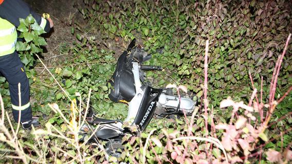 Sprinter erfasst Rollerfahrerin: 15-Jährige lebensgefährlich verletzt