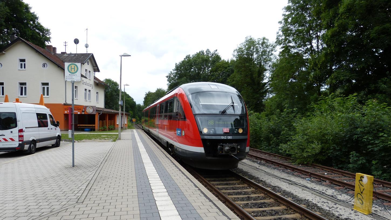 Kommt sie oder kommt sie nicht? Nicht nur bei der Gräfenbergbahn selbst, sondern auch beim Ersatzverkehr mit Bussen kommt es seit vielen Jahren immer wieder zu Störungen.