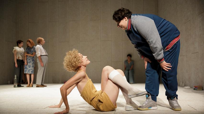 Szene aus Anne Lenks Inszenierung von Anton Tschechows