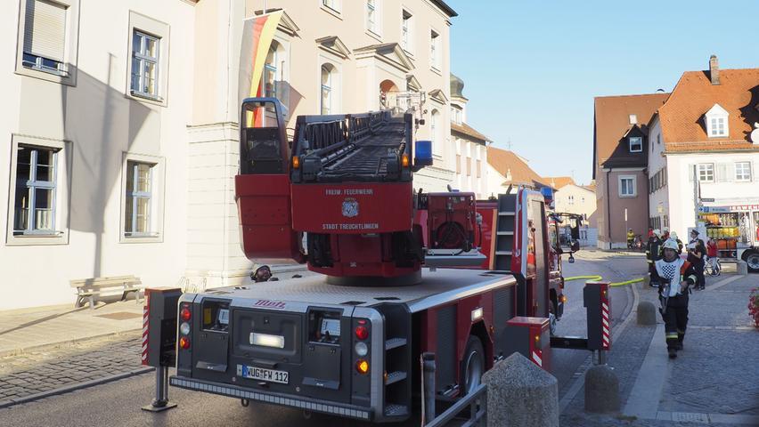 Übung: Feuer im Treuchtlinger Rathaus