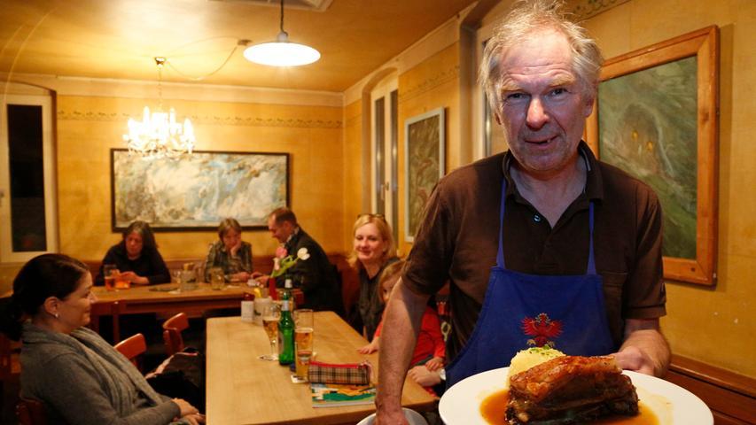 ... und bei Rolf Meyer fränkische Küche, wie Schäufele mit Kloß,genießen.