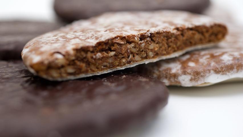 Lebkuchen sind umso hochwertiger, je mehr Ölsamen wie Mandeln, Hasel- oder Walnüsse und je weniger Mehl oder Stärke im Teig enthalten sind. Die
