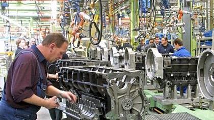 Blick ins MAN-Motorenwerk in der Südstadt: In dem Unternehmen arbeiten derzeit mehr als 4000 Beschäftigte.