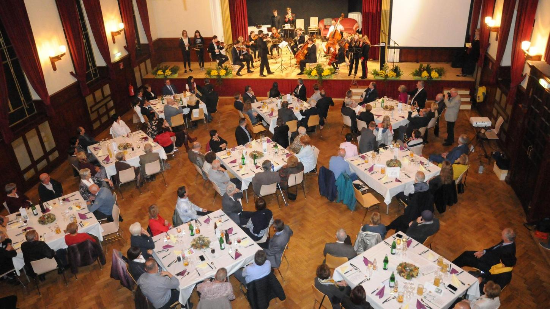 Nach 15 Jahren Partnerschaft Deinings mit Eggenburg wurde gebührend gefeiert. Die Bürger beider Kommunen teilten viele Erinnerungen.