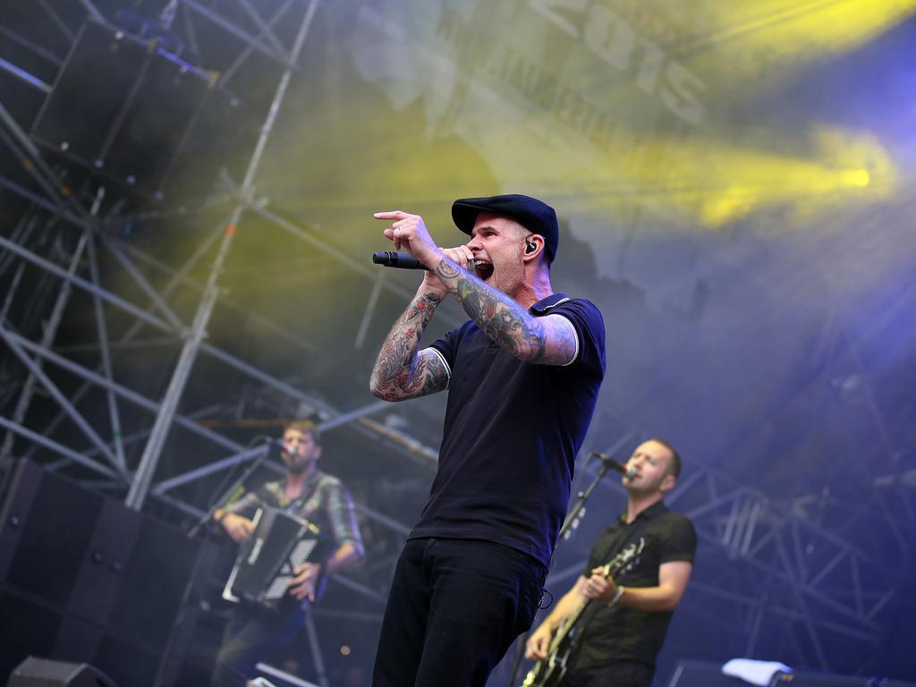 Band Dropkick Murphys beim Taubertal Festival 2015; Festival Taubertal; 20 Jahre Taubertal Festival..©Foto: RALF ROEDEL / NN +++ Veröffentlichung nur nach vorheriger Vereinbarung!