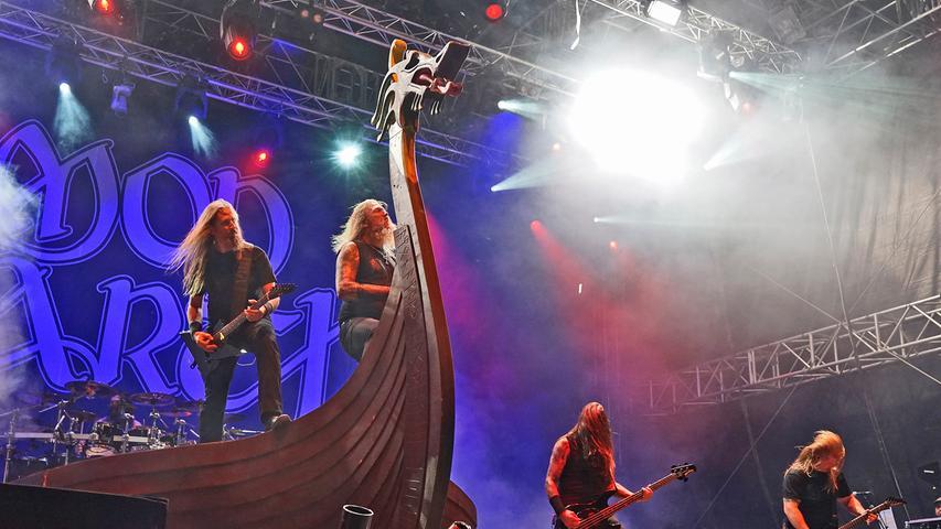 Die schwedische Melodic-Death-Metalband Amon Amarth rockt 2019 die Massen auf dem Zeppelinfeld. Bei Summer Breeze waren sie bereits 2017 schon.