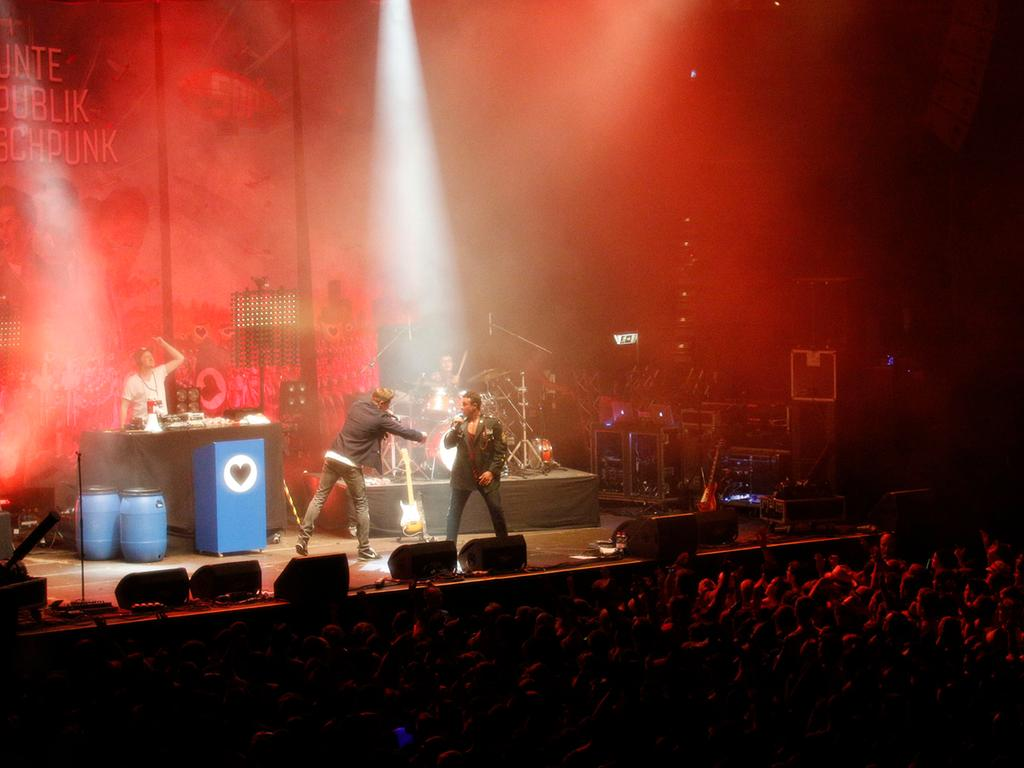 Poli/Lok/Feui..Foto: Günter Distler..Motiv: Rock im Park 2014; Sonntag, 08.06.14; SDP; Club Stage