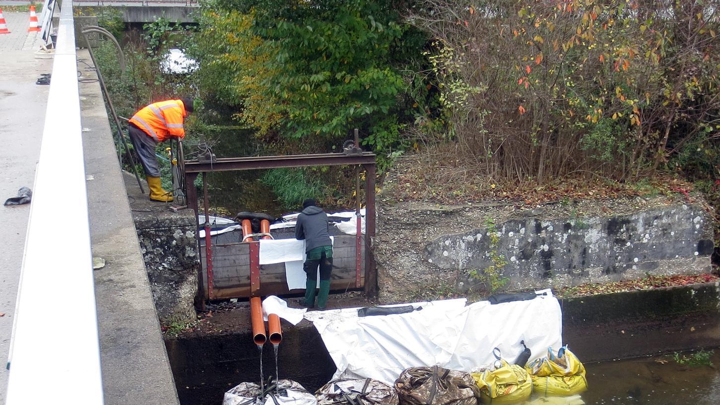 Die Arbeiten am sanierungsbedürftigen Düker in der Pegnitzer Schloßstraße gestalten sich schwierig.