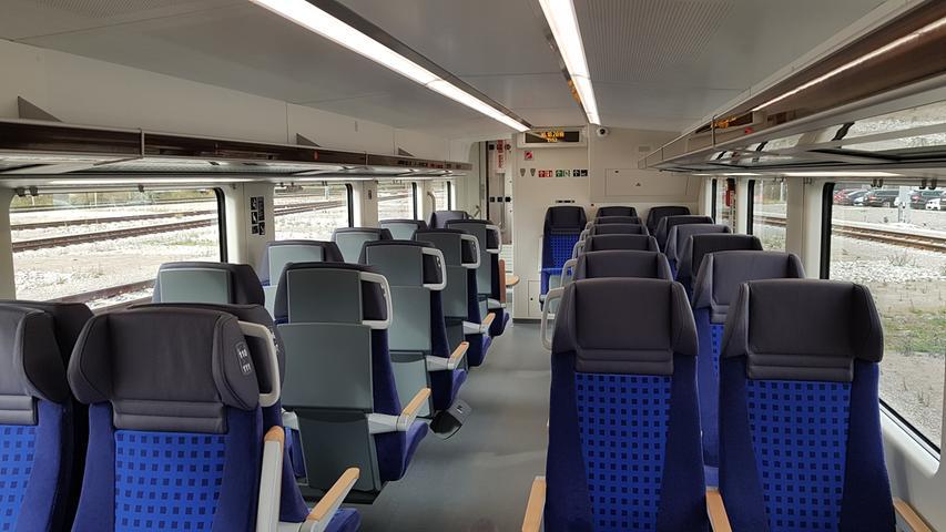 Im Gegensatz zu den bislang auf der Strecke Nürnberg - Ingolstadt - München eingesetzten IC-Garnituren wächst das Sitzplatzangebot deutlich von 413 auf 676. Zudem gibt es Platz für insgesamt 40 statt bisher 16 Fahrräder. Allerdings sind die Abstände zwischen den Sitzen eng bemessen.