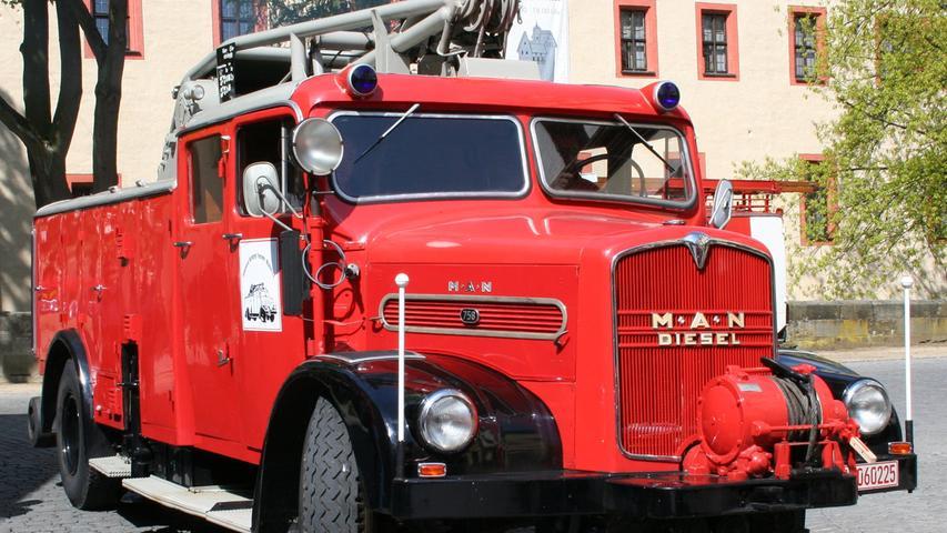 Ein wuchtiges Gerät ist der 1955 gebaute Rüstkranwagen