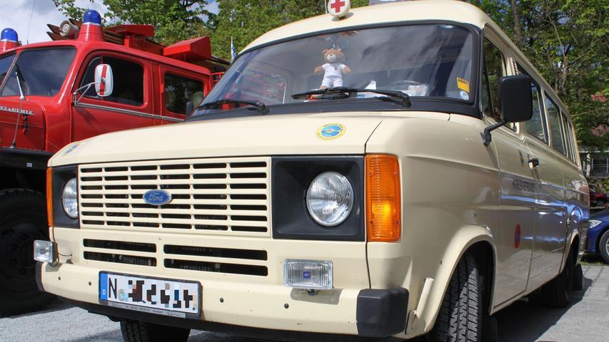Fahrzeuge der Sanitätsdienste gelangen nur sehr selten in Sammlerhand. Dieser Ford Transit aus dem Baujahr 1979 ist eine Ausnahme: Er gehört heute einem Privatsammler aus Nürnberg.