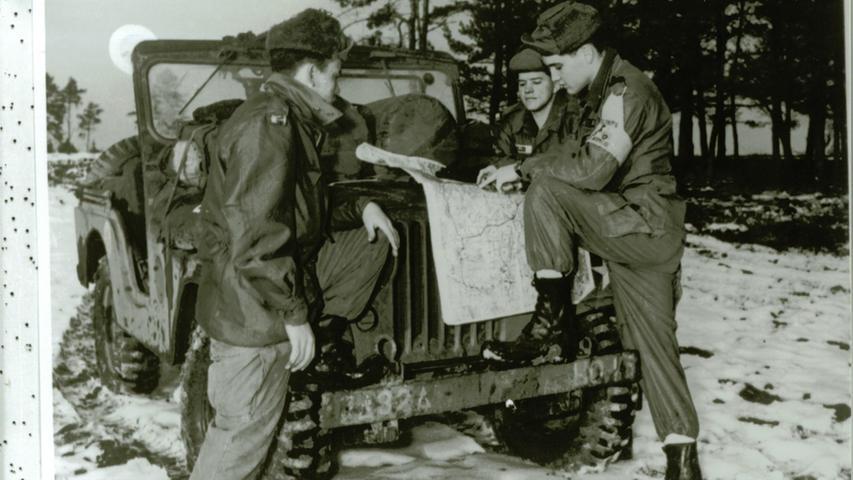 Elvis und seine Truppe bei der Militärarbeit in Oberpfalz.