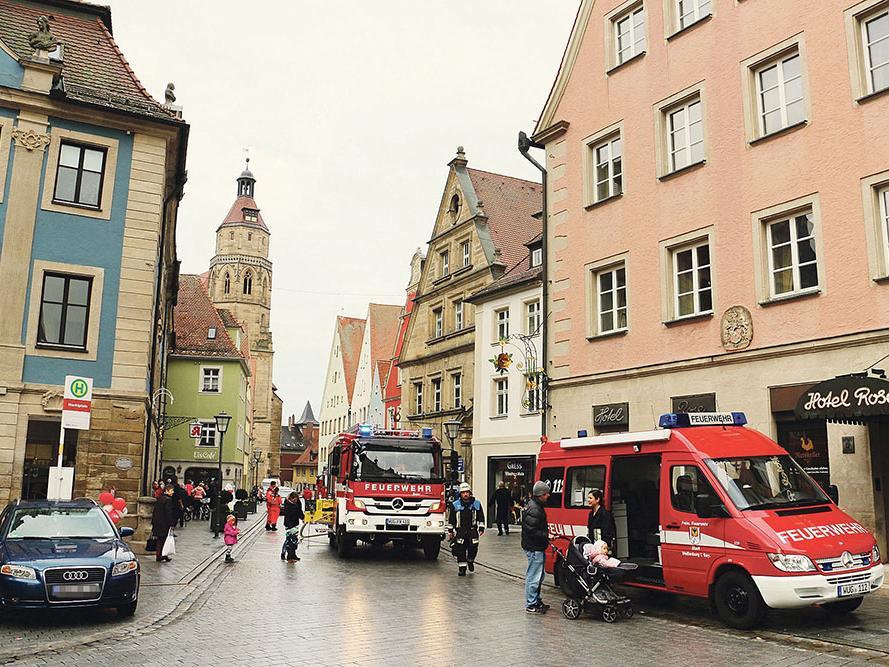 Schwelbrand Im Drogeriemarkt Müller Löste Feuerwehreinsatz Aus Weißenburg Nordbayern De