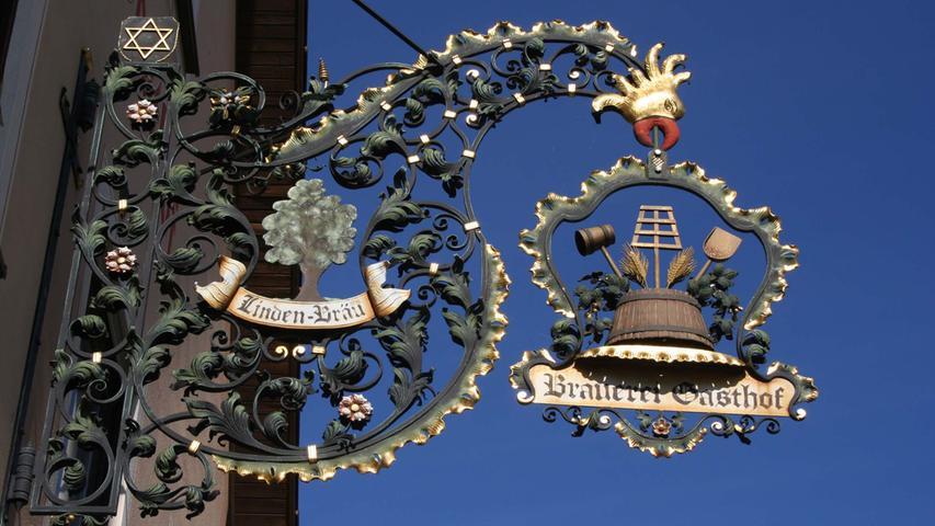 Dass Marketing auch für Brauereien wichtig ist, das haben auch die Macher des Fünf-Seidla-Steigs in der Fränkischen Schweiz erkannt. Am Weg, der Wanderer zu den Brauern bringen soll, liegen die Klosterbrauerei Weißenohe, die Gräfenberger Brauereien Friedmann und Lindenbräu, Hofmann in Hohenschwärz und Elch-Bräu in Thuisbrunn. Mit Gräfenberg zählt eine Stadt zur Tour, in der die Leitung der Bierproduktion überwiegend in weiblicher Hand liegt.