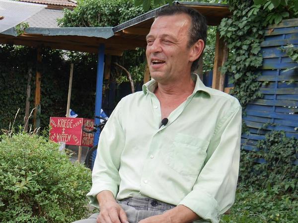 """Stephan """"Stuff"""" Klier hat sich in Gostenhof eine 13 Quadratmeter große """"Eine Welt Villa"""" eingerichtet"""