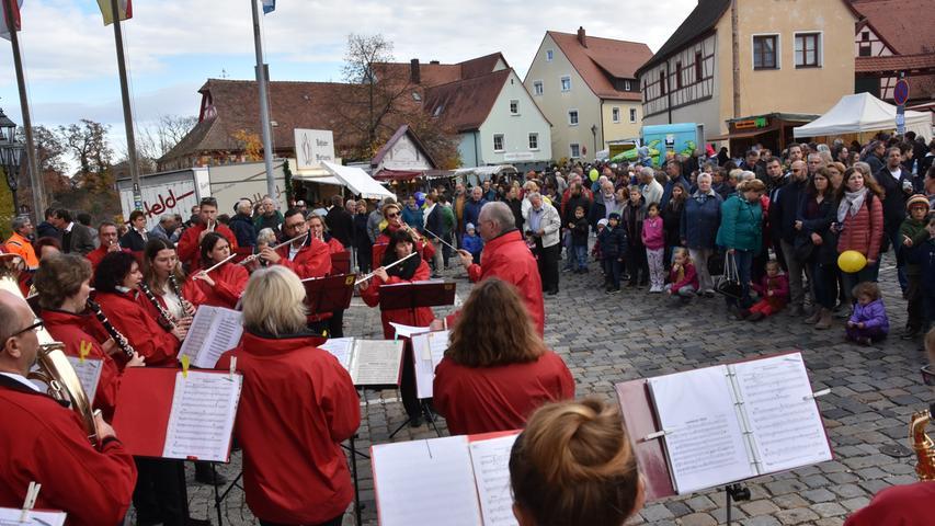 Foto: THOMAS SCHERER Abrechnung: Pauschale..Motiv: Martinimarkt Roßtal;