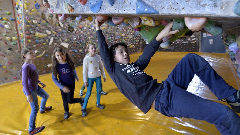 Der gebundene Ganztag hat für die Montessori-Schüler tolle Fächer wie Klettern mit sich gebracht.