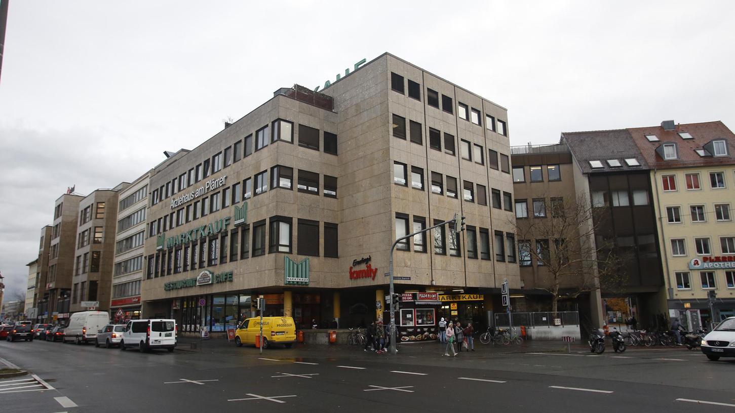 Die SPD fordert jedenfalls die Konzernleitung auf, ihrer unternehmerischen Verantwortung gerecht zu werden und die Beschäftigten nicht im Regen stehen zu lassen.