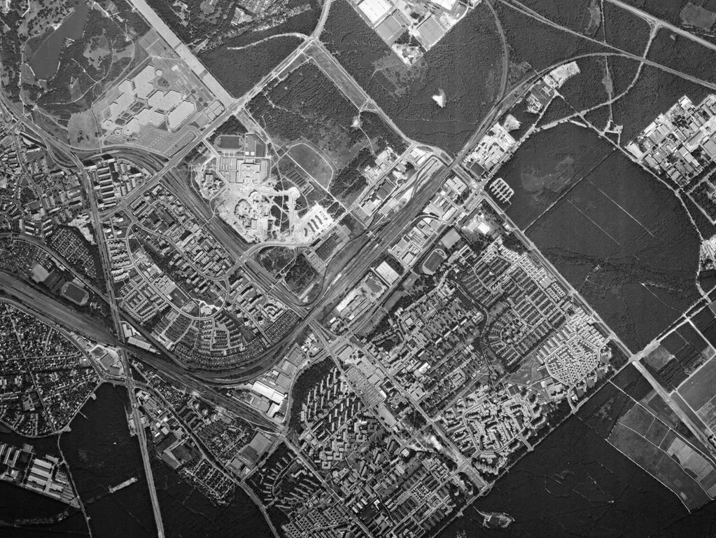 ..FOTO: Bayerische Vermessungsverwaltung, gesp. 11/2018 für Berichterst...MOTIV: Franken; Luftbild; Region; Draufsicht...Hier: Nürnberg; 78009_0_0152 – Langwasser, 31.07.1978; historisch; 1970er