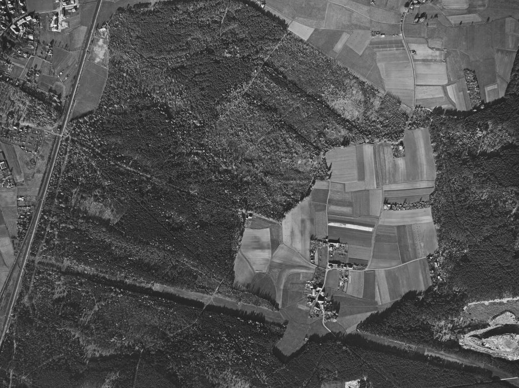 FOTO: Bayerische Vermessungsverwaltung, gesp. 11/2018 für Berichterst...MOTIV: Franken; Luftbild; Region; Draufsicht...Hier: Nürnberg; 63034_3_0326 – Gelände Späterer Nürnberger Hafen, 28.10.1963; historisch; 1960er; Maiach; Hinterhof; Reichswald