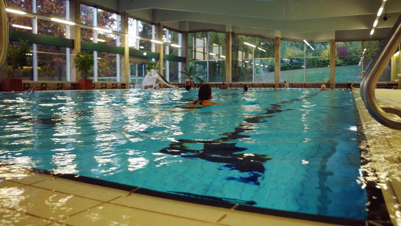 Die Tage der alten Schwimmhalle sind gezählt.