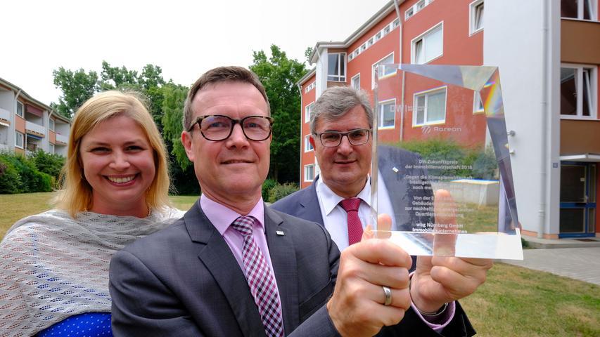 Die beiden Geschäftsführer des kommunalen Wohnungsunternehmens wbg, Frank Thyroff und Ralf Schekira (rechts), erhielten 2018 eine Gehaltssteigerung von sieben Prozent. Ihr jährliches Einkommen betrug dadurch  jeweils etwa 225.000 Euro.