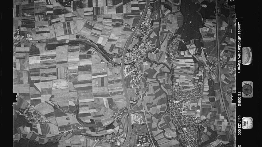 1978 ist der Kanal mit Wasser gefüllt, der Schuttberg wächst und wächst.
