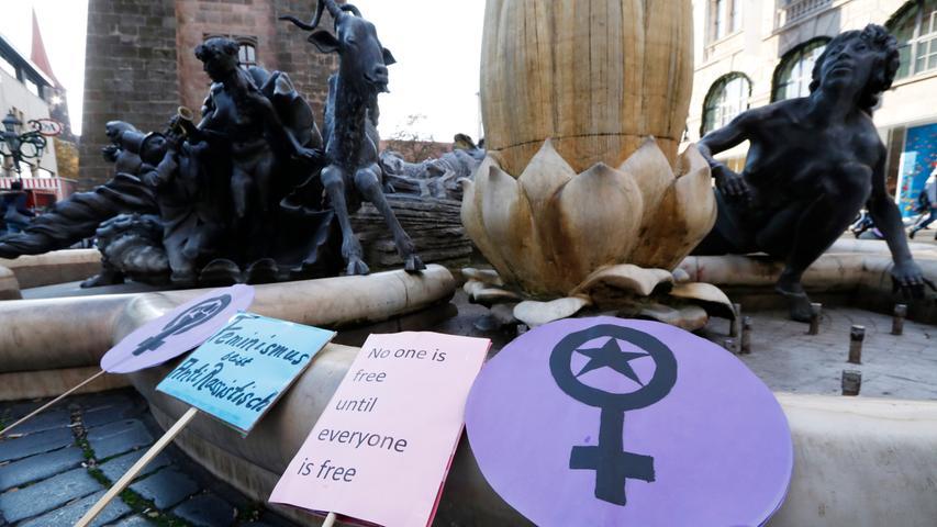 Kundgebung zum Tag gegen Gewalt an Frauen in Nürnberg
