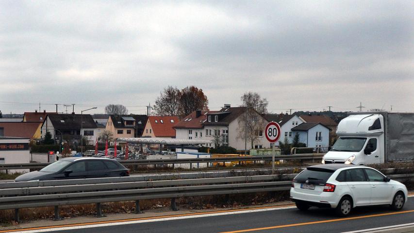 Etwas länger dauert es nur mit dem Lärmschutz an der A73 im Bereich Eltersdorf. Während Eltersdorf-West schon 2021 aufatmen kann, wird sich die Errichtung des Lärmschutzes für Eltersdorf-Ost bis ins Jahr 2022 hineinziehen.