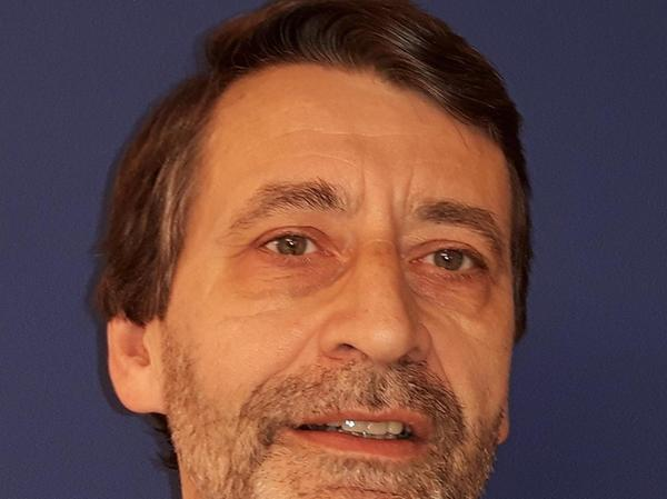 Der Soziologe und Politologe Armin Pfahl-Traugbher kritisiert den Fleischkonsum.