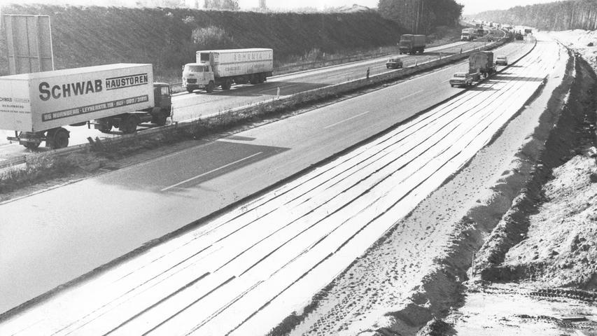 Bei Nürnberg-Buchenbühl wurde die A3 1977 bereits auf sechs Fahrspuren erweitert.