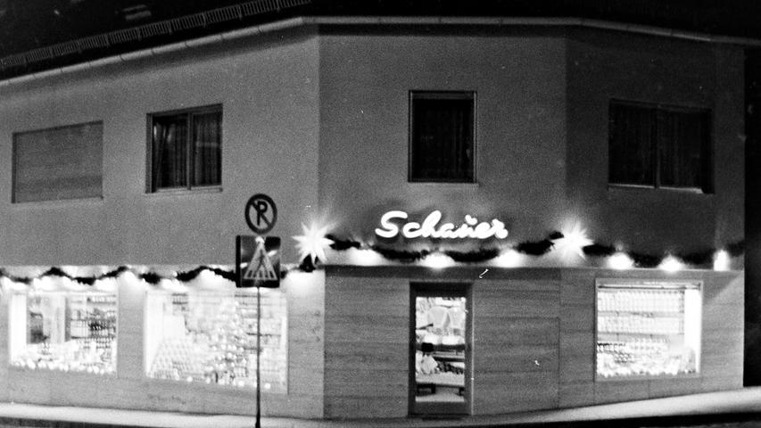 Zum früheren Feinkostgeschäft Schauer gehörte auch eine Fischhalle. Heute ist dort ein Pizza-Abholdienst untergebracht.
