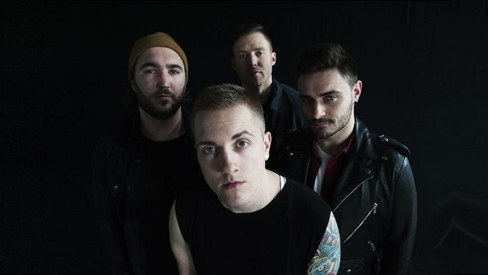 Die Herren von I Prevail stehen mit ihrer Post-Hardcore-Band noch nicht allzu lange auf den Bühnen. Seit 2013 sind sie im Geschäft, haben eine EP und ein Album veröffentlicht.