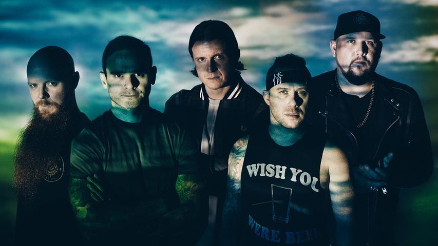 Atreyu reisen aus Kalifornien an und werden 2019 die Festivalbesucher mit feinstem Metalcore verwöhnen. Die Band hat sich nach einer der Hauptfiguren aus der unendlichen Geschichte benannt.