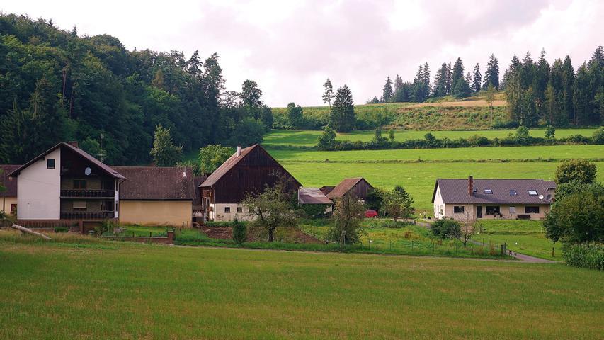 ... hat einen ganz anderen Ursprung: Das Dorf, das am Ende einer Straße in einem Seitenhochtal der Thalach liegt, hat seinen Namen wohl von